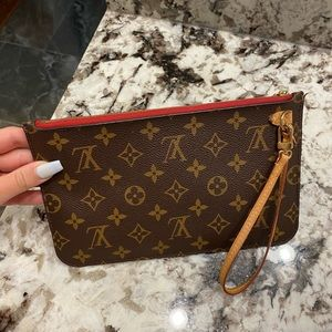 Authentic Louis Vuitton Pochette!